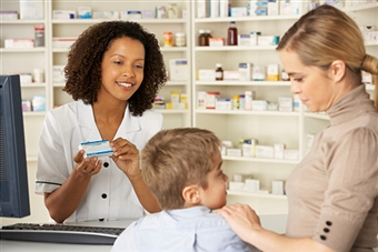how to become a retail pharmacist